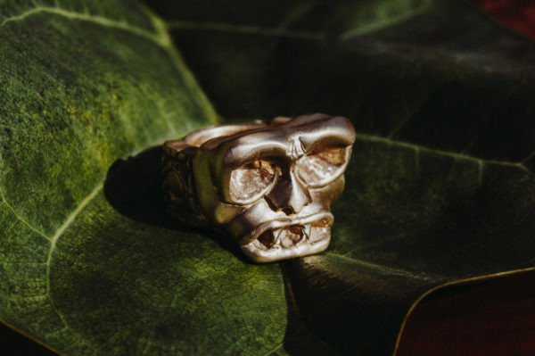 Gothic Skull Ring Bronze